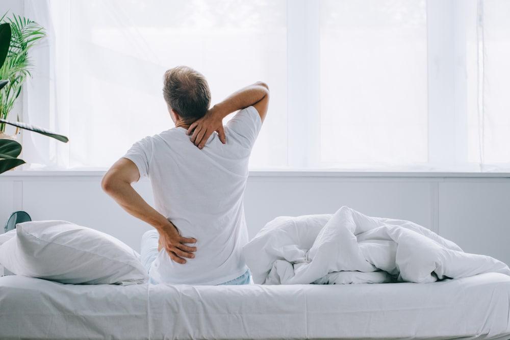 Πώς συνδέεται ο χρόνιος πόνος με τις σωματικές ασυμμετρίες;